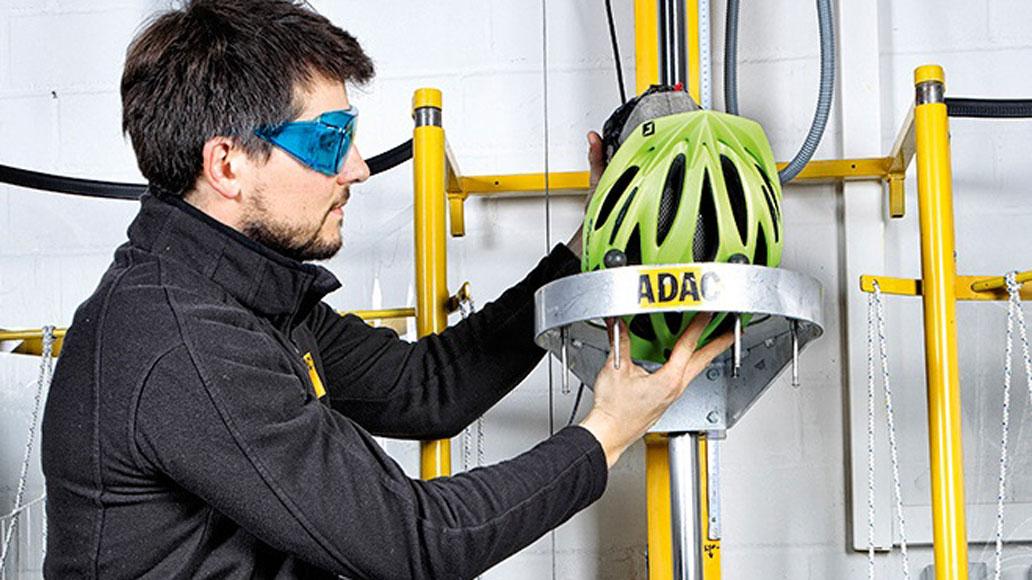 mtb helm test - ADAC Stiftung Warentest