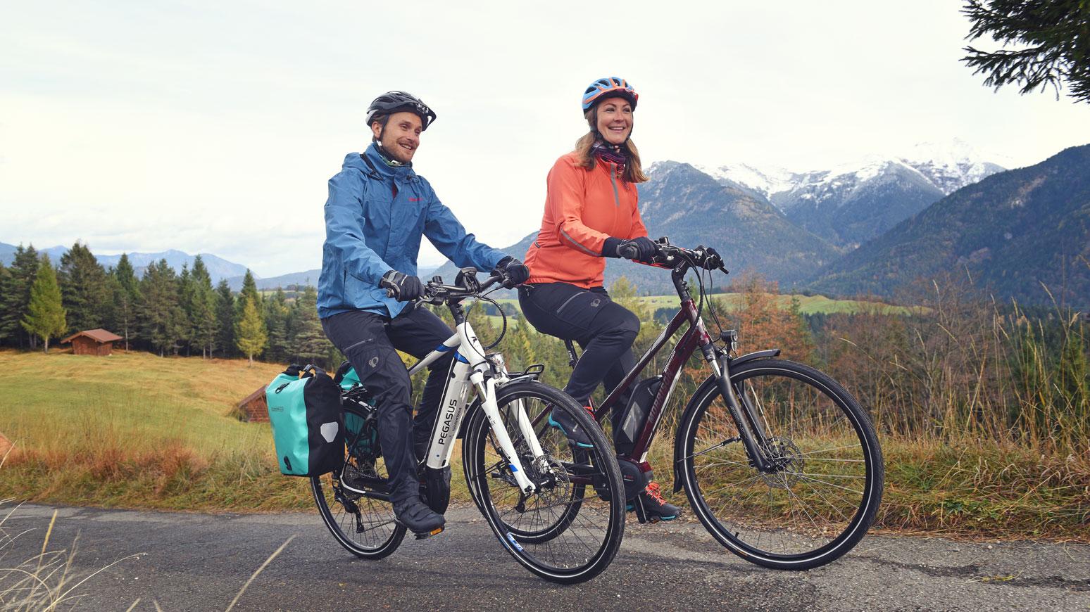 E-Bikes machen in bergigem Terrain besonders viel Spaß