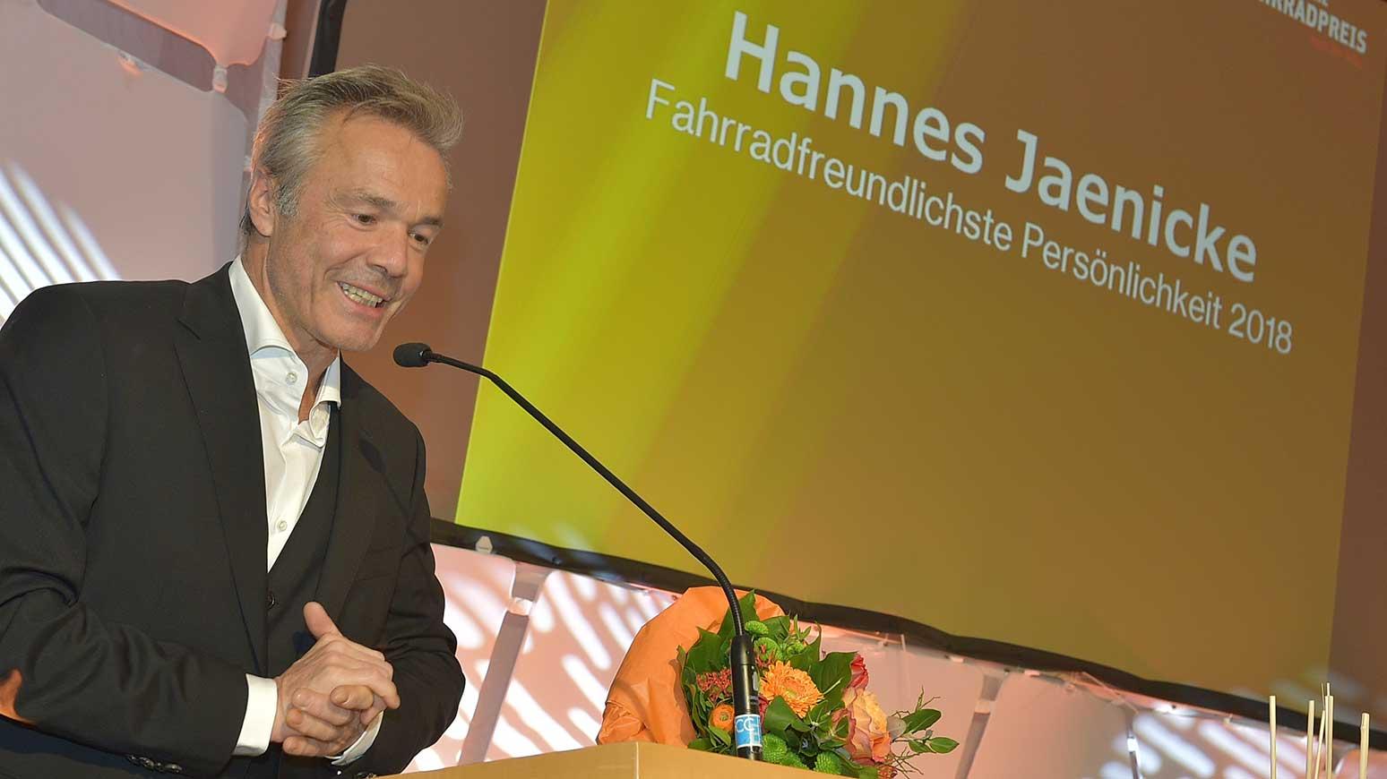 Der Schauspieler Hannes Jaenicke ist als fahrradfreundlichste Persönlichkeit 2018 ausgezeichnet worden