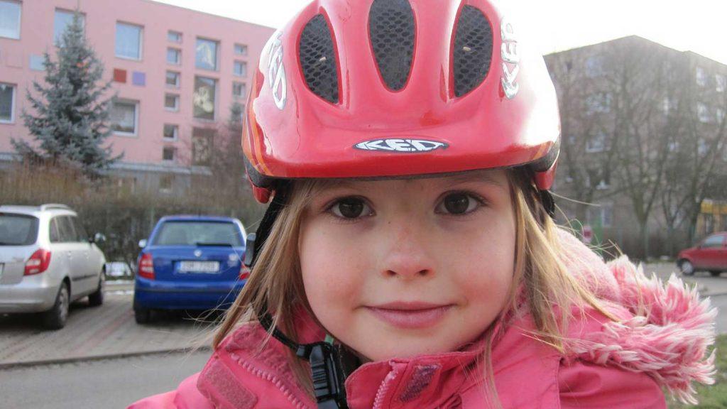 Ein Fahrradhelm ist bei Kindern ganz besonders wichtig