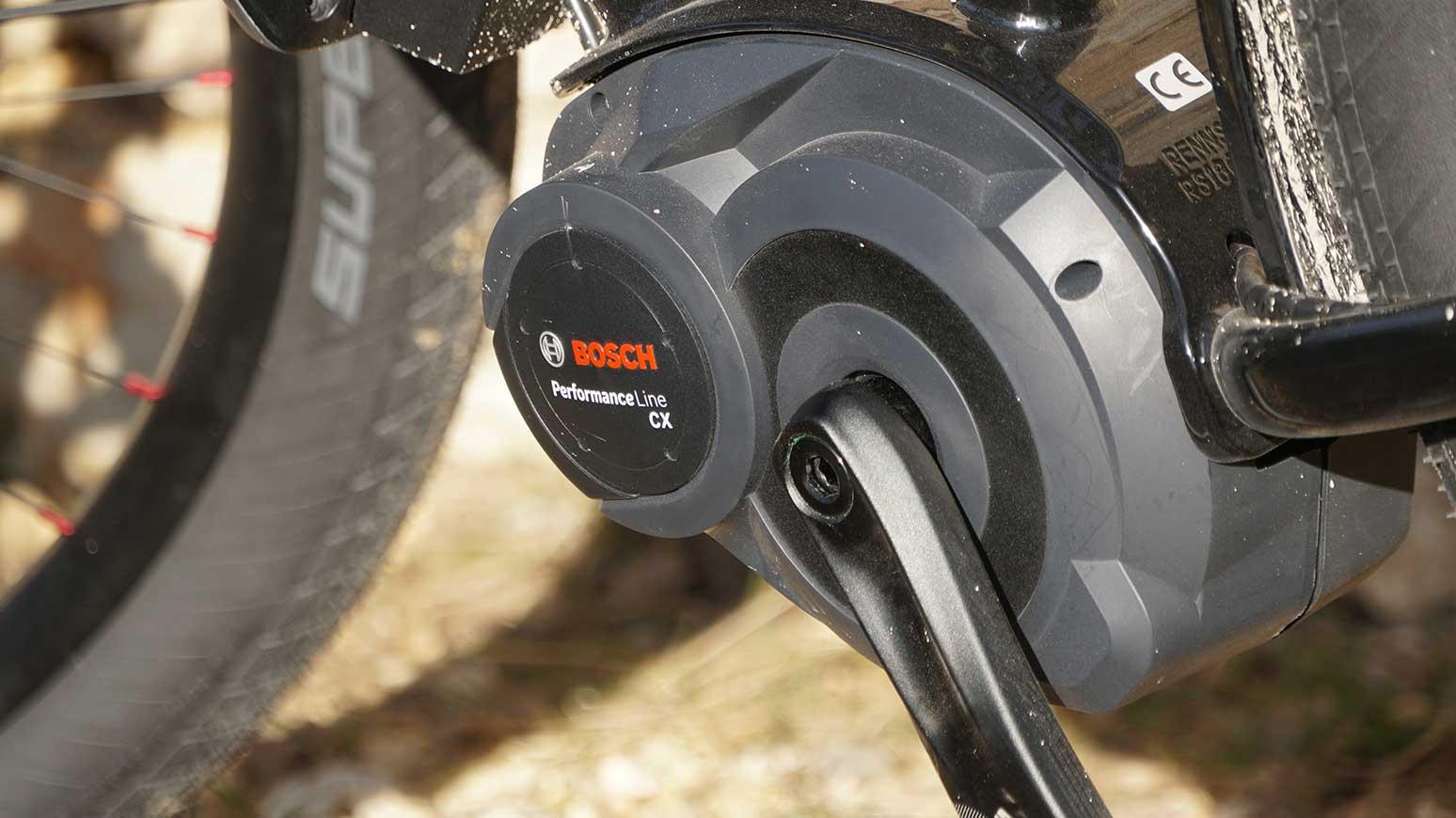 Ordentlich Schub, gut bei hoher Beladung, E-MTB Modus inklusive: der Bosch Performance CX mit max. 75 Nm Drehmoment