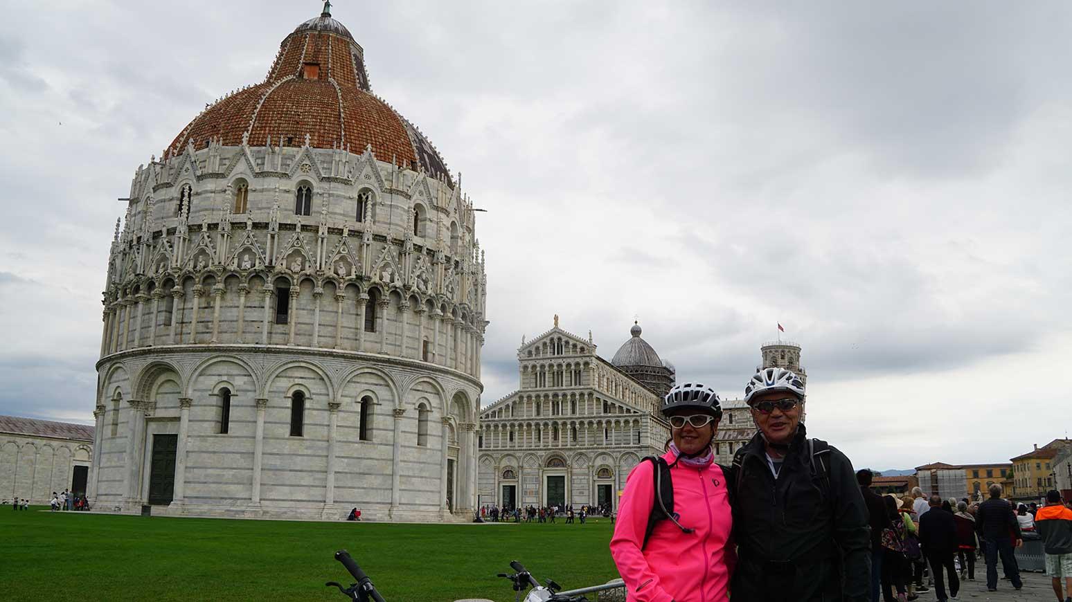Toskana Radreise: Schon bei der ersten Tour erreichen wir entspannt dank E-Bikes das Traumziel Pisa