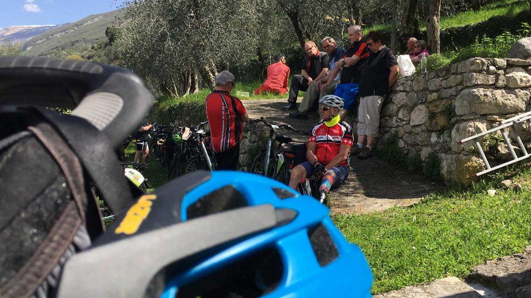 Leserreise Gardase, Tour 2, Picknick in den Olivenhainen des Monte Baldo