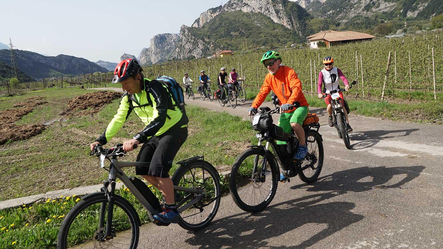 Leserreise Gardasee 2018: Die Tour 1 führt uns ins Sarca-Tal, mit Weinprobe sowie Eisessen in der Sommerfrische Arco