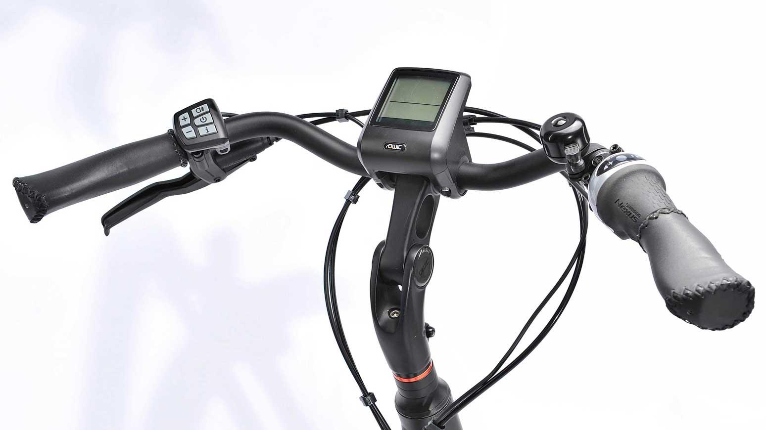 Qwic Premium MN7 Cockpit: gekröpfter Lenker, Display und Taster