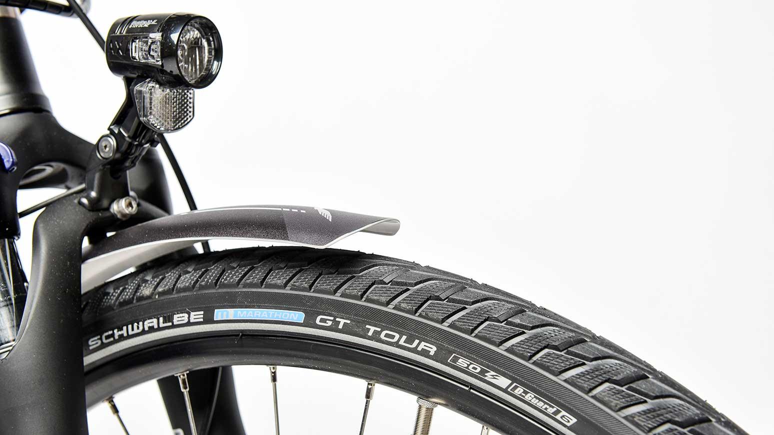Prima Ganzjahres-Reifen, etwas schwaches Frontlicht.
