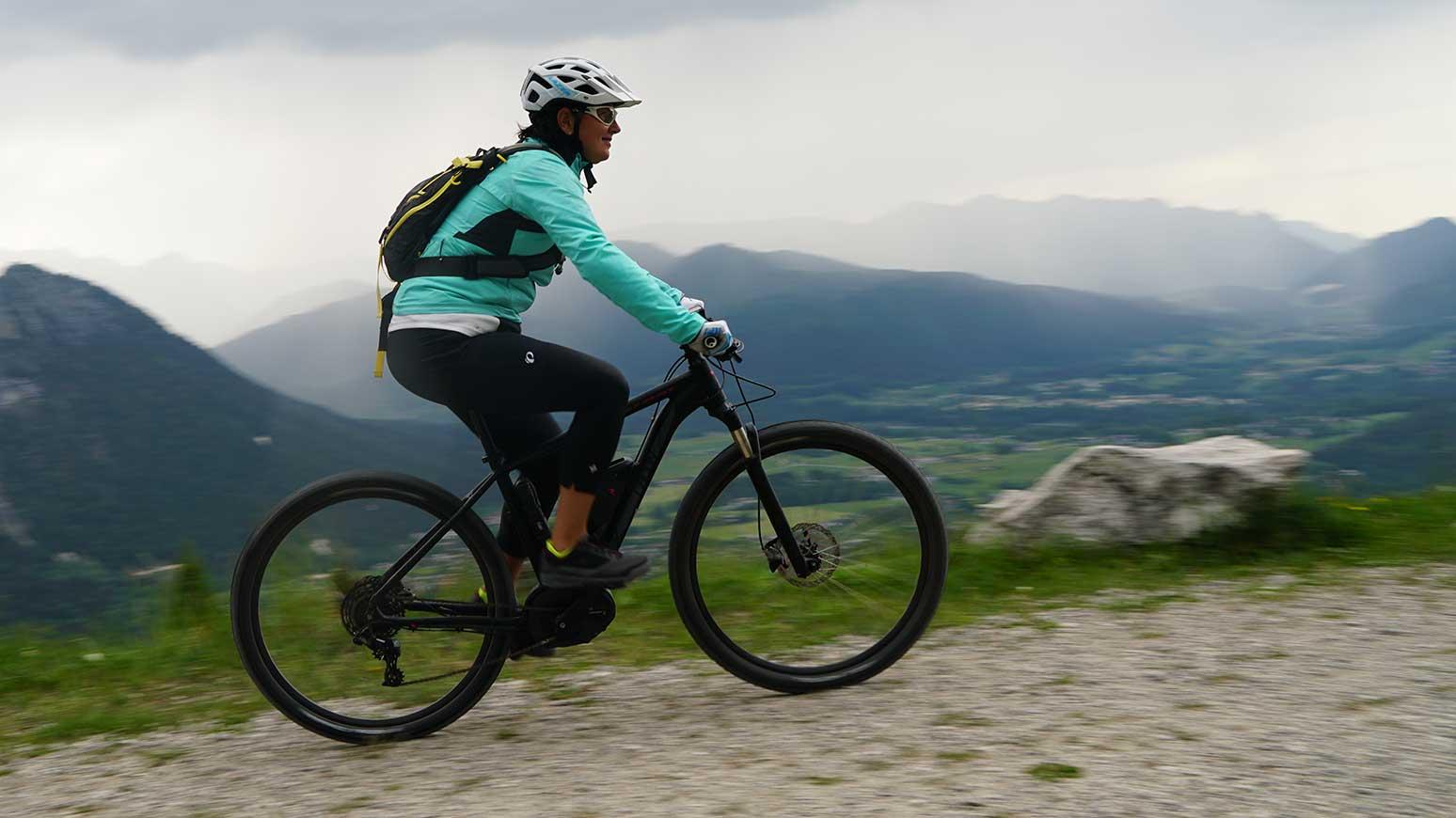 E-Bike Berchtesgaden: Unterwegs mit dem Radon Team (Bosch CX Motor, 500 Wh Akku, Shimano Scheibenbremsen), das 1999 Euro kostet.
