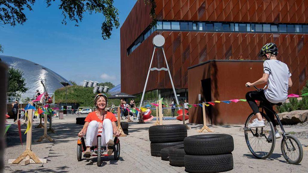 Während der Sommerferien gibts begleitend zur Ausstellung einen tollen Fahrradparcours.