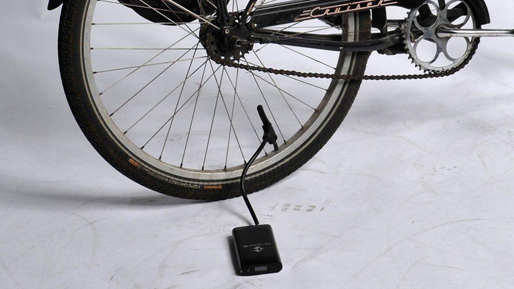 Echt klein: Die Elumatik USB hat man immer dabei.