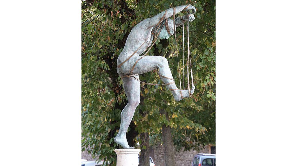Im Künstlerort Pietrasanta gibt es viele Statuen zu bestaunen