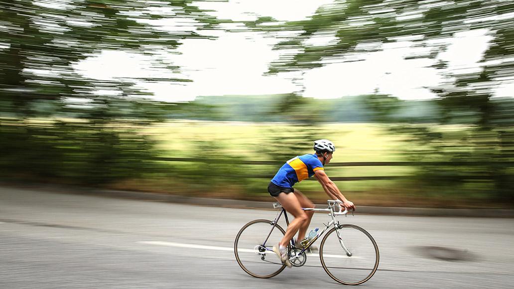 """""""Oldtimer"""" und Raritätengibt es bei den Cyclassics schon lange. Jetzt sind auch E-Bikes am Start."""