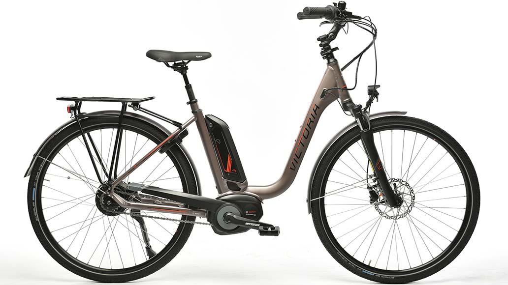 sportliches Trekking-E-Bike 27 Gang Deore XT GIANT Hybird Magura Hydraulisch