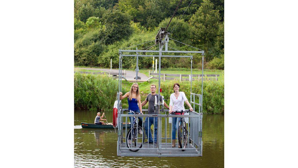 Einmalig in Deutschland: Die Fahrrad-Seilbahn über die Fulda.