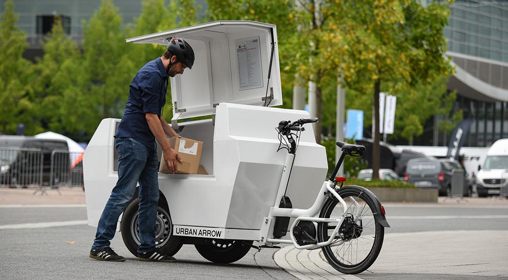 Das Tender 1000-Lastenrad hat eine maximale Zuladung in der Gepäckbox von 300 Kilogramm.