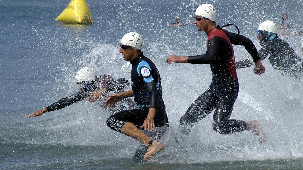 Disziplin 1: Schwimmen.