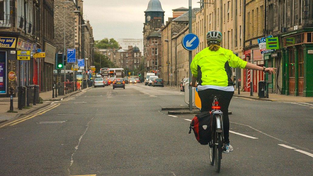 sie möchten überholen worauf stellen sie sich ein fahrradfahrer