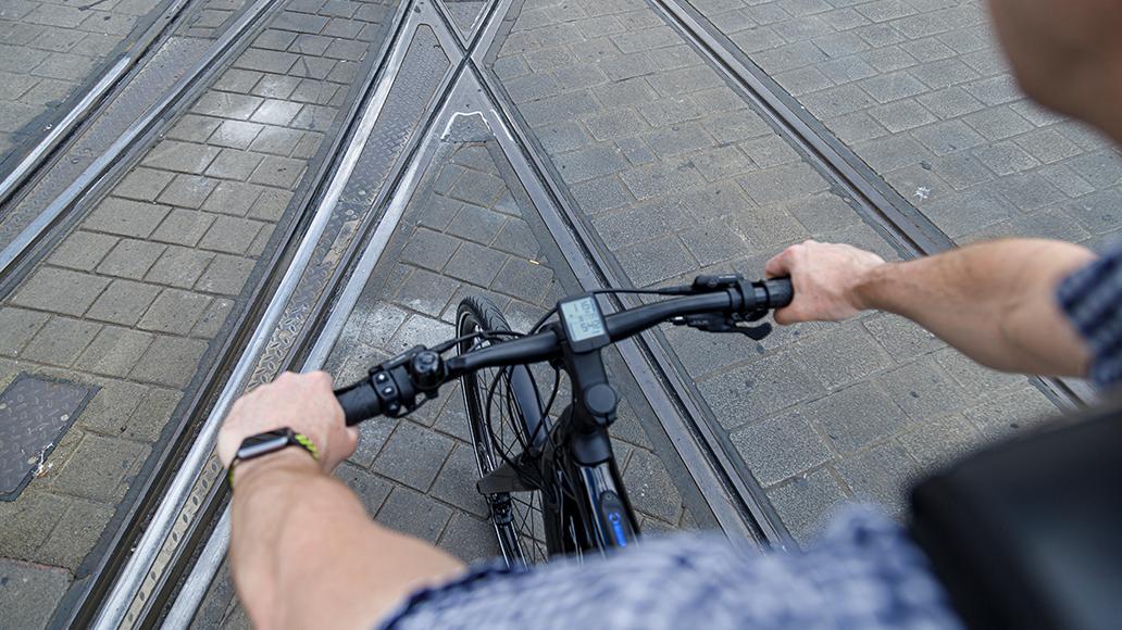 E-Bike, Radfahren, Sicherheit, Stadtverkehr, Verkehrssicherheit
